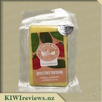 Barrys Bay Coldsmoked Appletree Cheddar